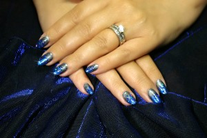 Alex_glitter_natural-nails