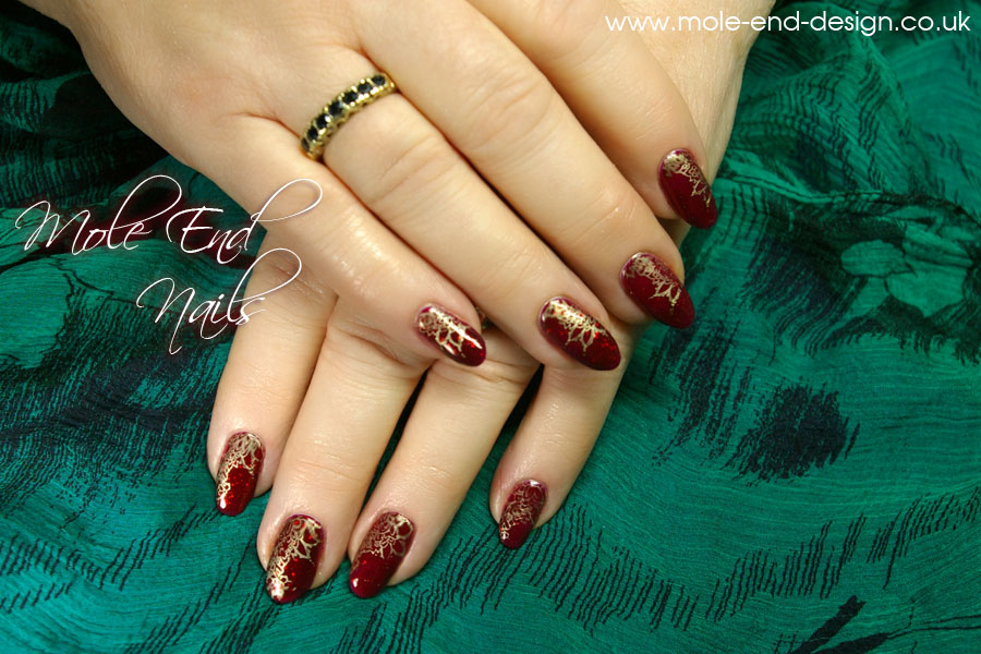 Gelish_with-gold-stamping_nails