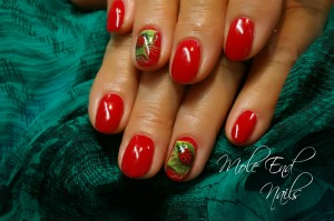 Ladybird nails shellac