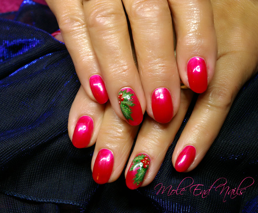 Susies nail art mole end design holly nail art just in time for christmas prinsesfo Gallery