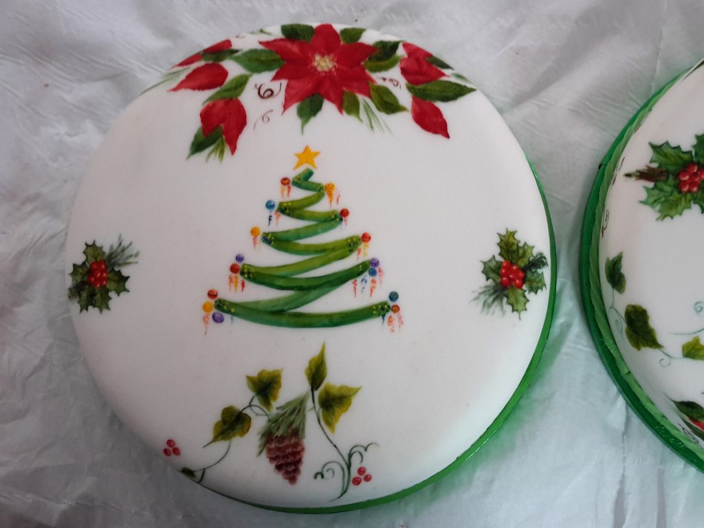 Top view of ribbon one stroke christmas cake
