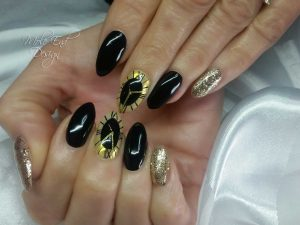 Black clock nails chrome and gold black