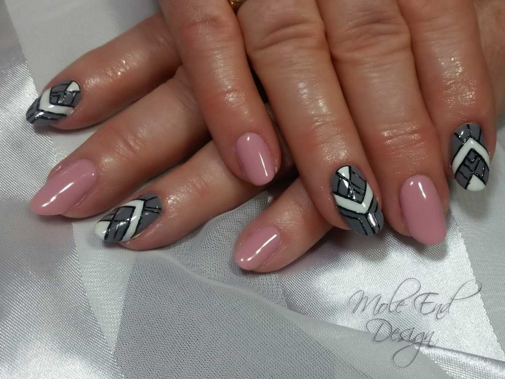 Geometric pink and grey nails